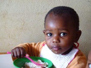 Kind in Waisenhaus