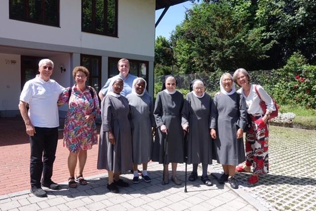 Die Schwestern zu Besuch im Mutterhaus der Missionsbenediktinerinnen in Tutzing (D)