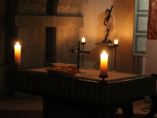Krypta Kerze-altar